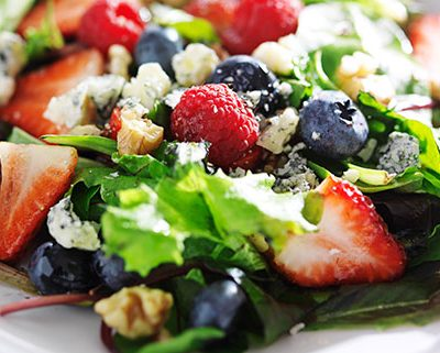 Berry-&-Blue-Cheese-Salad